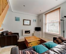 Snaptrip - Last minute cottages - Wonderful Looe Cottage S42978 - Sitting Room