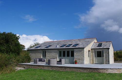 Snaptrip - Last minute cottages - Exquisite Little Petherick Cottage S42982 - External