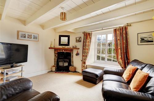 Snaptrip - Last minute cottages - Superb Looe Cottage S42995 - L00023 - Sitting Room