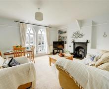 Snaptrip - Last minute cottages - Tasteful Looe Apartment S43023 - Sitting Room View 1