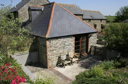 Snaptrip - Last minute cottages - Inviting Looe Cottage S43052 - External - View 1