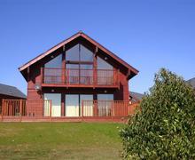 Snaptrip - Last minute cottages - Delightful St Columb Lodge S43057 - External