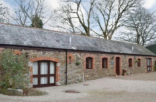 Snaptrip - Last minute cottages - Quaint Looe Cottage S43142 -