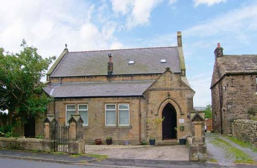 Snaptrip - Last minute cottages - Exquisite Haltwhistle Church S4426 -