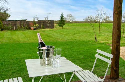 Snaptrip - Last minute cottages - Splendid Alnwick Retreat S4428 -
