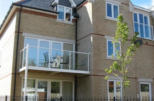 Snaptrip - Last minute cottages - Charming Weymouth Apartment S43206 - chillschurchills