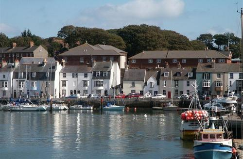 Snaptrip - Last minute cottages - Splendid Weymouth Cottage S43207 - the ferryman