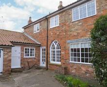Snaptrip - Last minute cottages - Gorgeous Hornsea Mews S4437 -