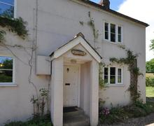 Snaptrip - Last minute cottages - Splendid Axminster Cottage S43239 - Riverbank