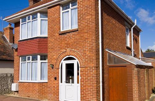 Snaptrip - Last minute cottages - Stunning Weymouth Cottage S43272 - highl exterior