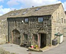Snaptrip - Last minute cottages - Superb Hebden Bridge Barn S4460 -