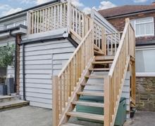 Snaptrip - Last minute cottages - Excellent Battle Apartment S43482 -