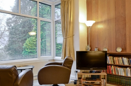 Snaptrip - Last minute cottages - Charming Bowness On Windermere Cottage S43601 -