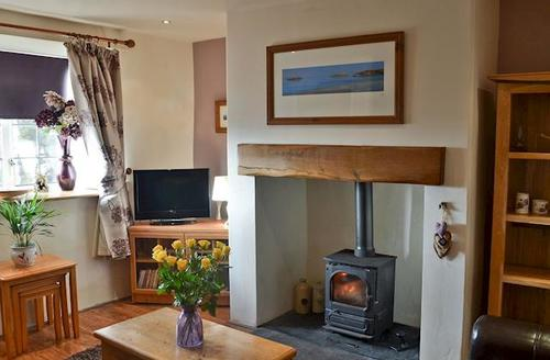 Snaptrip - Last minute cottages - Inviting Abersoch Cottage S43620 -