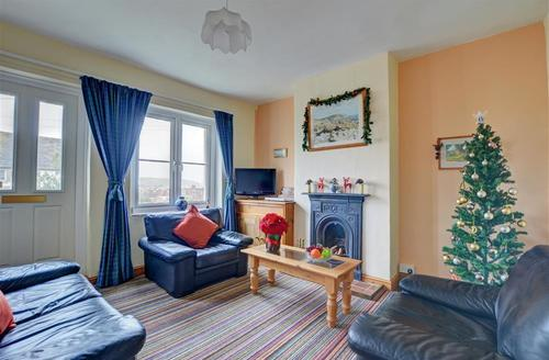 Snaptrip - Last minute cottages - Lovely Swanage Cottage S43690 - Sitting Room - View 1