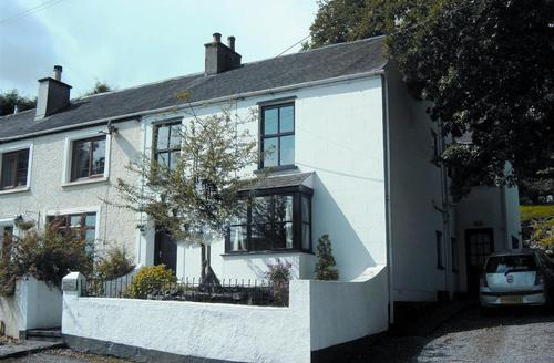 Snaptrip - Last minute cottages - Gorgeous Saundersfoot Cottage S43757 - victorian holiday cottage saundersfoot parking