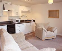 Snaptrip - Last minute cottages - Gorgeous Redberth Apartment S43801 - Apartment redberth saundersfoot lounge/kitchen