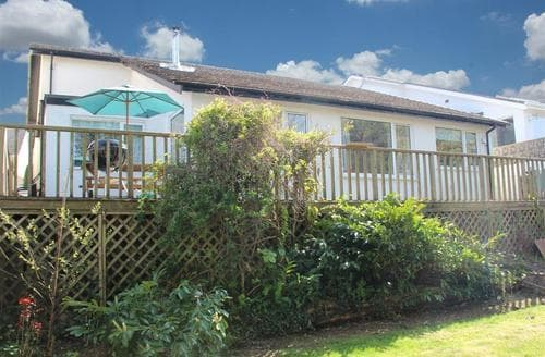 Snaptrip - Last minute cottages - Charming Saundersfoot Cottage S43804 - cottage saundersfoot tenby garden