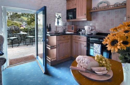 Snaptrip - Last minute cottages - Charming Combe Martin Cottage S43871 - Cosy Cottage with open beams in Combe Martin