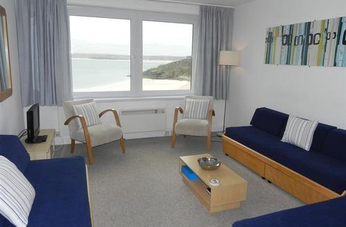 Snaptrip - Last minute cottages - Inviting St Ives Carbis Bay Lelant Apartment S43886 - Stunning Views from lounge in St Ives holiday flat