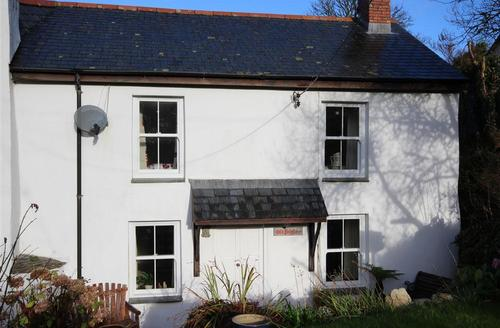 Snaptrip - Last minute cottages - Beautiful North Cornwall Cottage S43963 - Old Polgaze front