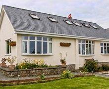 Snaptrip - Last minute cottages - Excellent Benllech Cottage S43987 -