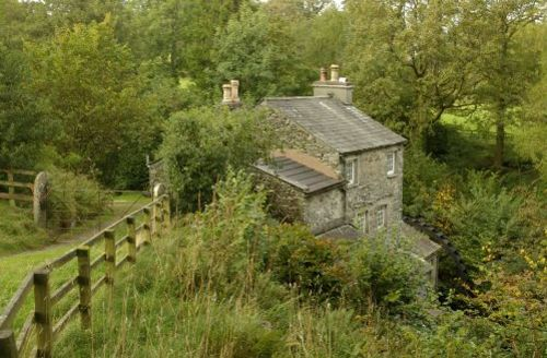 Snaptrip - Last minute cottages - Luxury South Lakeland Cottage S44052 - A heritage site with waterwheel