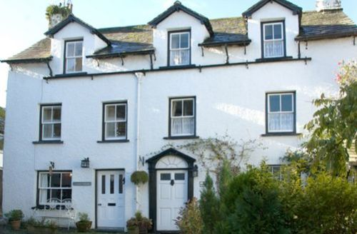 Snaptrip - Last minute cottages - Quaint Hawkshead Cottage S44082 - Lantern is a converted 16th Century Lakeland cottage situated in the very heart of Hawkshead village