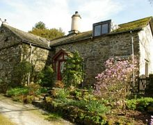 Snaptrip - Last minute cottages - Lovely High Wray Cottage S44084 - Manor House Cottage is a charming, comfortable cottage retaining plenty of character