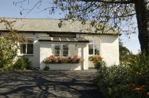 Snaptrip - Last minute cottages - Inviting Hawkshead Cottage S44095 - Old Barn is set in an elevated position close to Tarn Hows