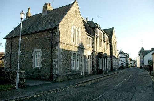 Snaptrip - Last minute cottages - Quaint Hawkshead Cottage S44103 -