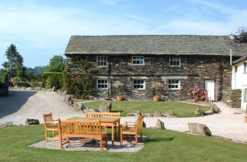 Snaptrip - Last minute cottages - Gorgeous Hawkshead Cottage S44113 - Weaver's gallery is in a lovely rural location