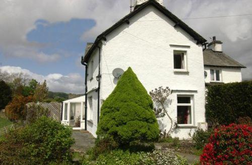 Snaptrip - Last minute cottages - Tasteful Hawkshead Cottage S44114 -