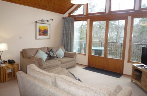 Snaptrip - Last minute cottages - Attractive 1 Bedroom Lodge S44208 -