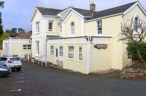 Snaptrip - Last minute cottages - Adorable Torquay Cottage S44238 -