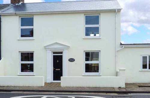 Snaptrip - Last minute cottages - Beautiful Chichester Cottage S4570 -