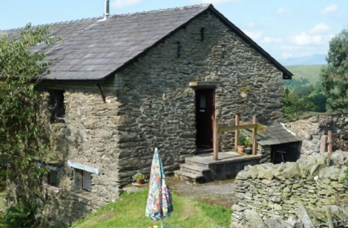 Snaptrip - Last minute cottages - Splendid Kendal Hayloft S534 - The Hayloft, Brunt Knott Farm, Self catering cottage in Staveley,  Lakes Cottage Holidays