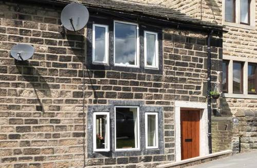 Snaptrip - Last minute cottages - Gorgeous Hebden Bridge Cottage S4602 -