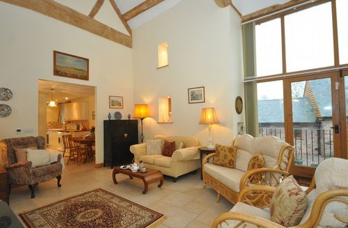 Snaptrip - Last minute cottages - Lovely Ross On Wye Barn S44654 -