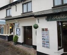 Snaptrip - Last minute cottages - Gorgeous  Apartment S44725 -