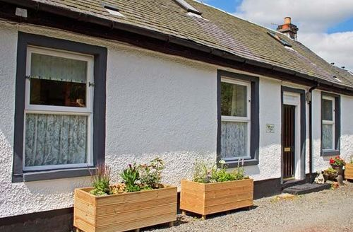 Snaptrip - Last minute cottages - Lovely Leadhills Cottage S44786 -