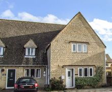 Snaptrip - Last minute cottages - Stunning Bourton On The Water Cottage S45122 -