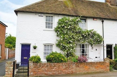 Snaptrip - Last minute cottages - Splendid Canterbury Cottage S13585 -