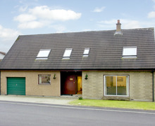 Snaptrip - Last minute cottages - Cosy Newtonmore Bheag S4677 -