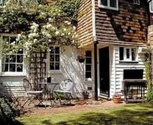 Snaptrip - Last minute cottages - Exquisite Tunbridge Wells Apartment S13649 -
