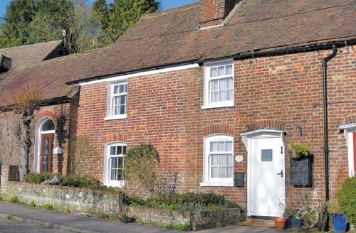 Snaptrip - Last minute cottages - Exquisite Tunbridge Wells Cottage S13663 -