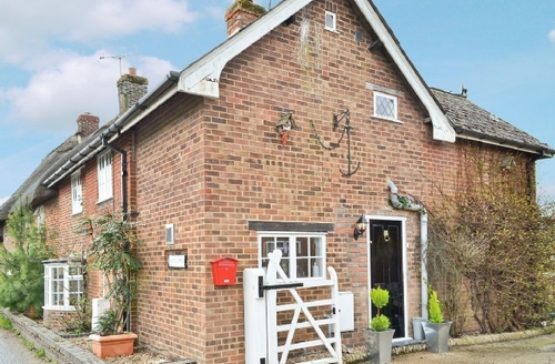 Snaptrip - Last minute cottages - Superb Salisbury Cottage S13745 -
