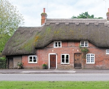 Snaptrip - Last minute cottages - Adorable Salisbury Cottage S25410 -