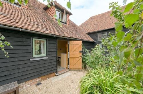 Snaptrip - Last minute cottages - Adorable Battle Cottage S13816 -
