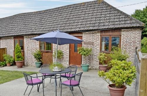 Snaptrip - Last minute cottages - Inviting Battle Cottage S13825 -